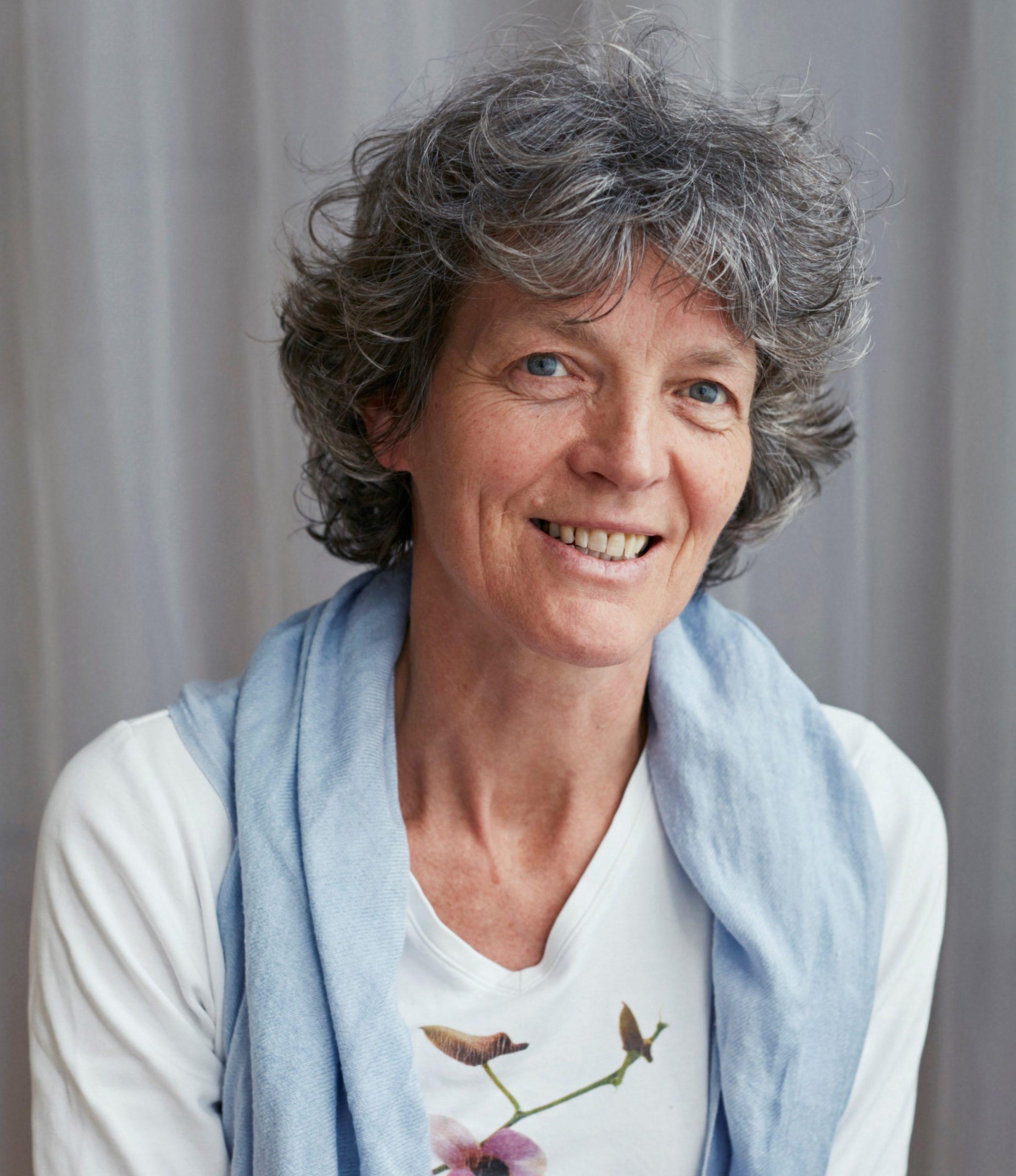 Ivonne Wopereis - Yoga Natuurlijk - Borne en Online